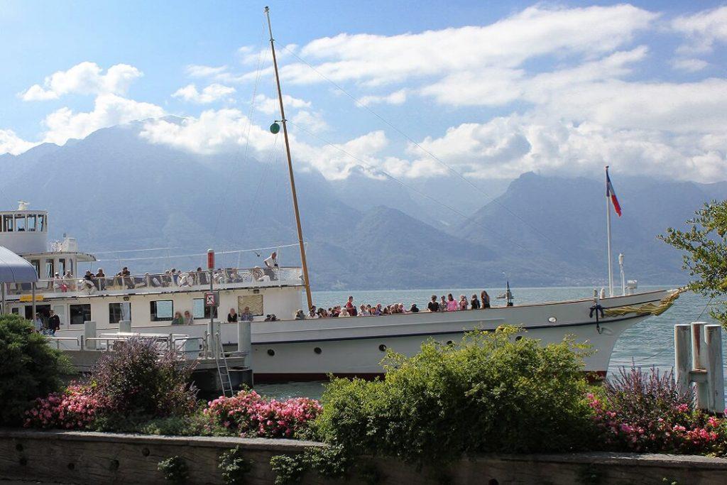 lavaux-wine-region-Montreux-lake-geneva