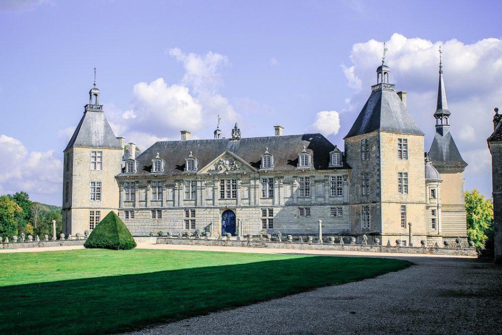 burgundy-region-chateau-de-sully